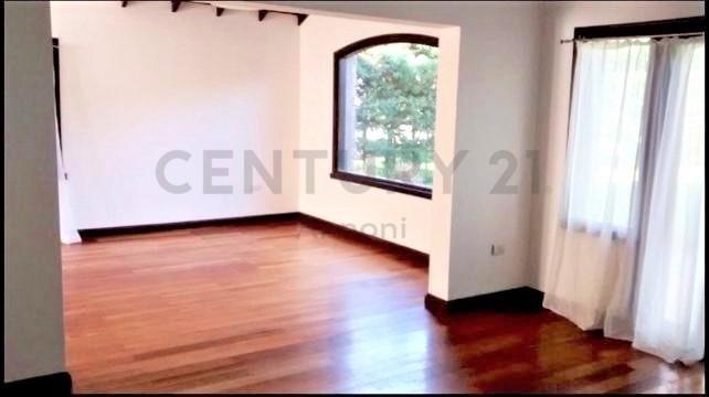 venta casa en lote interno la alameda, nordelta