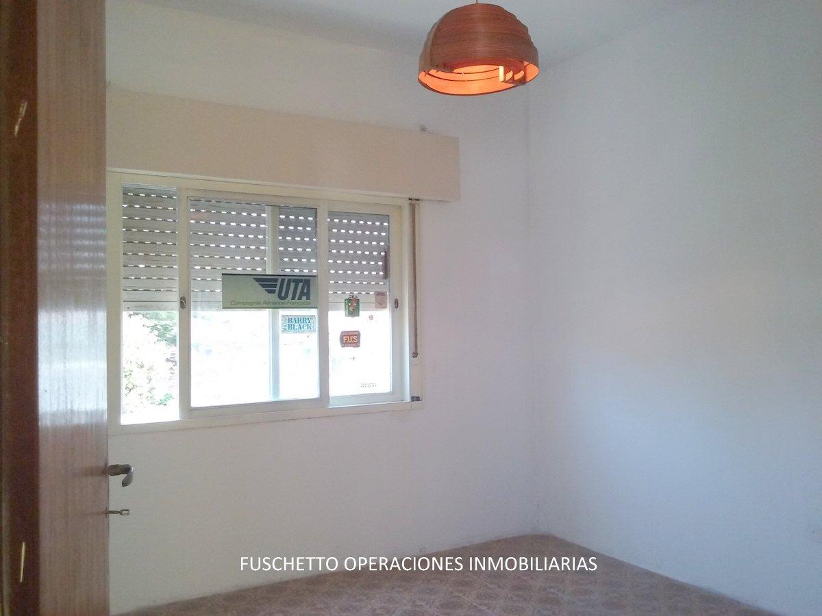 venta! casa en lote propio 4 amb. en aldo bonzi (cód. 883)