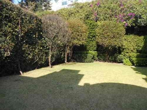 venta casa en paseo de las palmas  con terraza y jardin