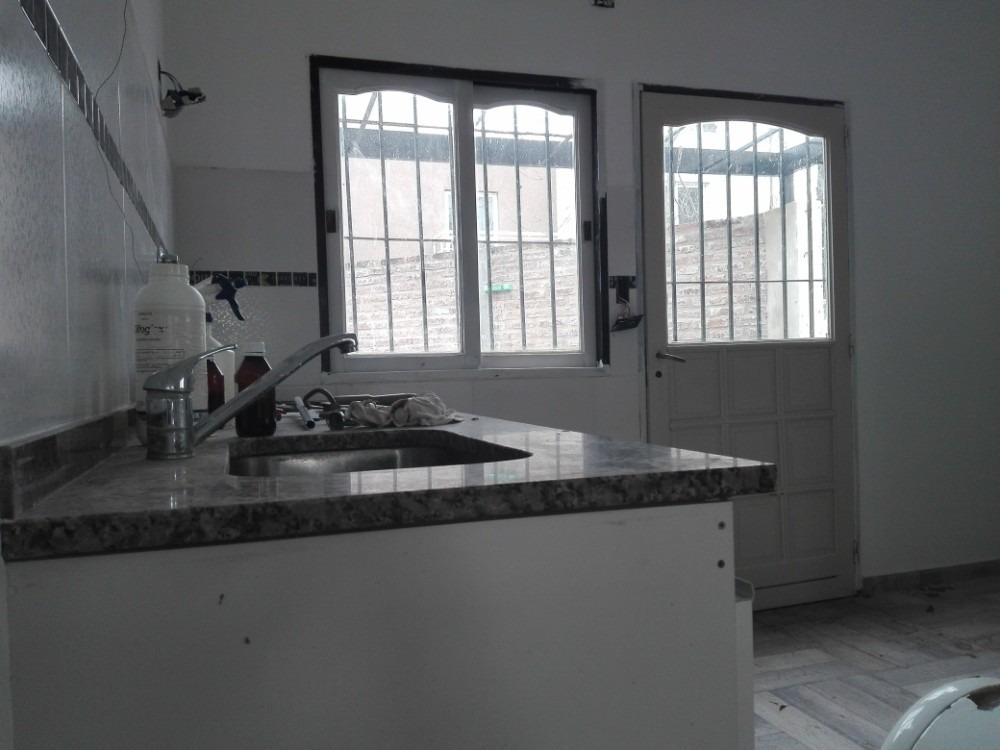 venta casa en ph 3 ambientes  ituzaingo
