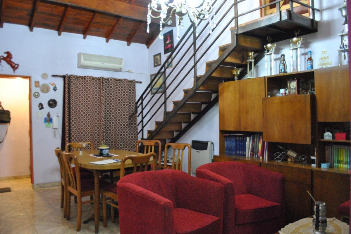 venta casa en ph al frente 5 ambientes ituzaingo norte