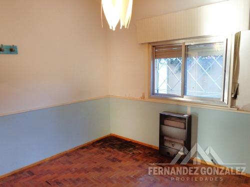 venta casa en ph al frente de 3 ambientes