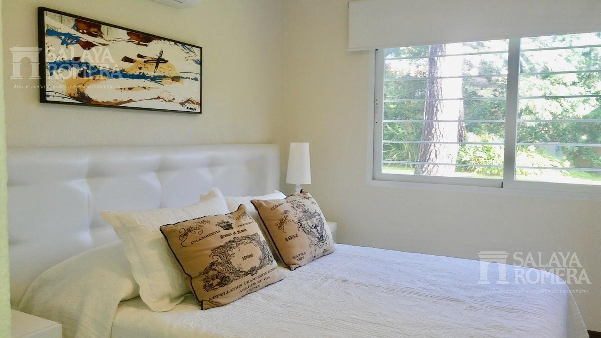 venta casa en playa mansa, 4 dormitorios, 4 baños, dependencia de servicios, piscina