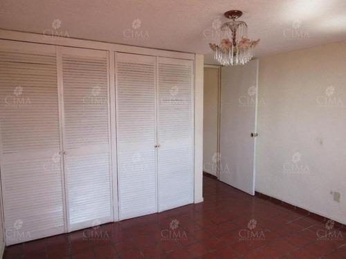 venta casa en privada a 5 min. de plaza galerías en cuernavaca - v16