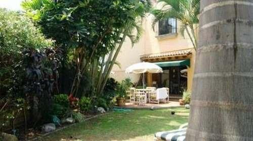 venta casa en privada segura c/alberca col. vista  hermosa