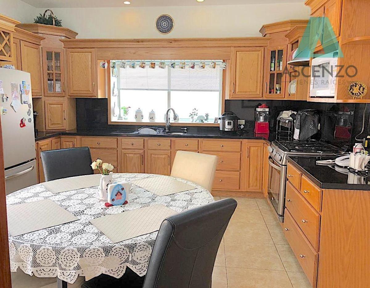 venta casa en residencial canteras serch