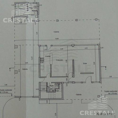 venta. casa en san sebastian, 3 dormitorios, con jardin y pileta.