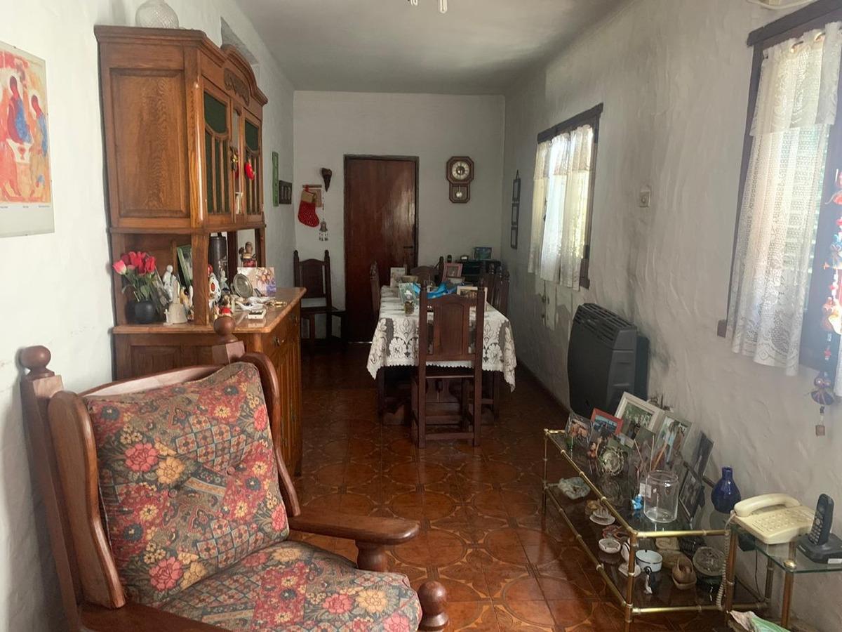 venta casa en temperley permuta x dpto 2 amb lomas de zamora