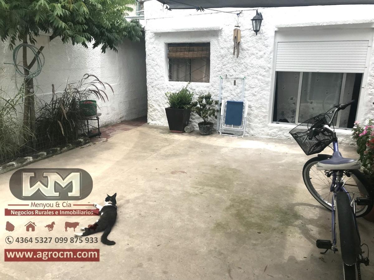 venta casa en trinidad flores 3 dormitorios barbacoa y patio