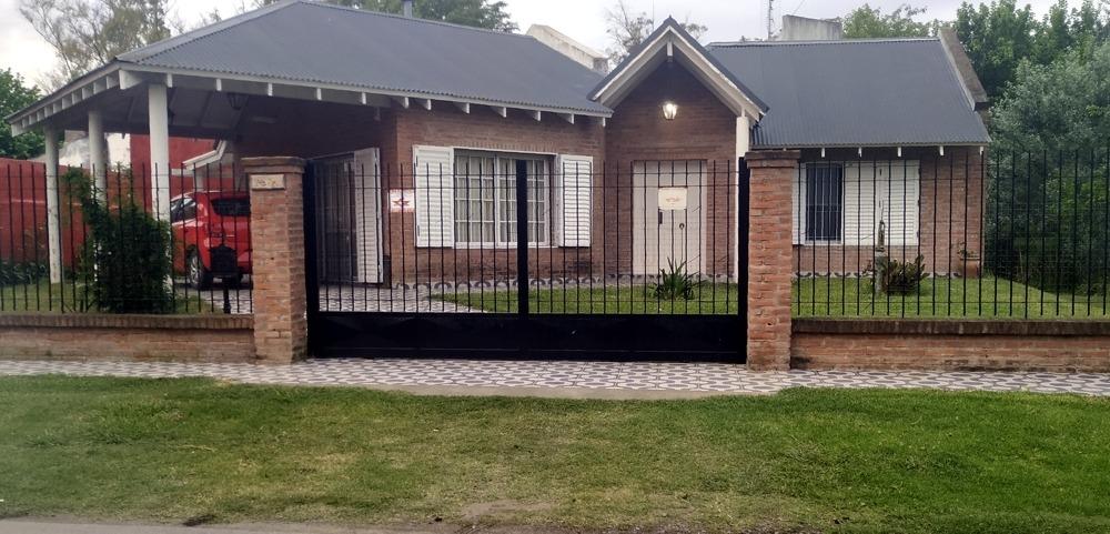venta  casa en venta en villa elisa, 429 23 y 24