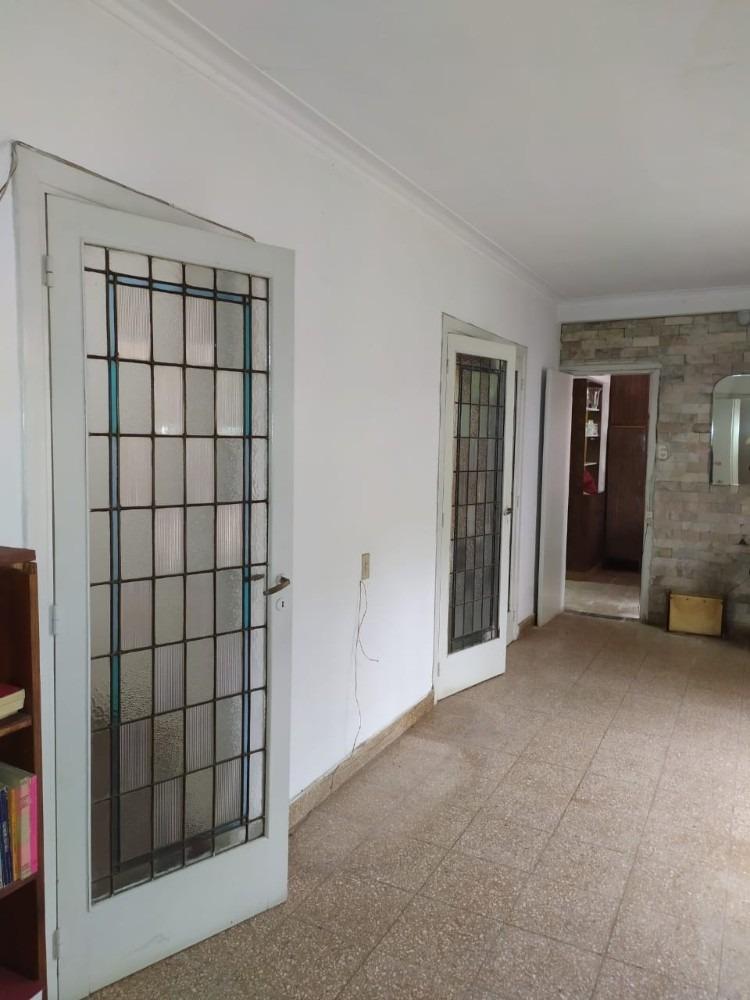 venta casa espaciosa a reformar. la plata (ba).