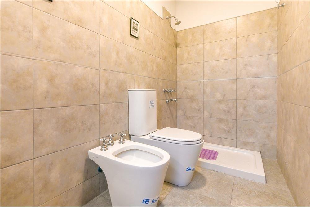 venta casa estancia las lilas - lujan - b° privado