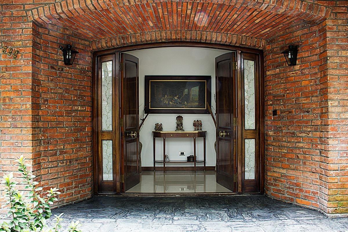 venta casa excelente terreno 1300m2 oportunidad inversores centro de pilar