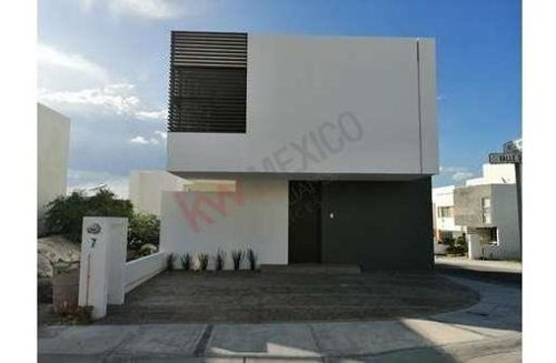 venta casa  exclusiva zibata como vista panorámica