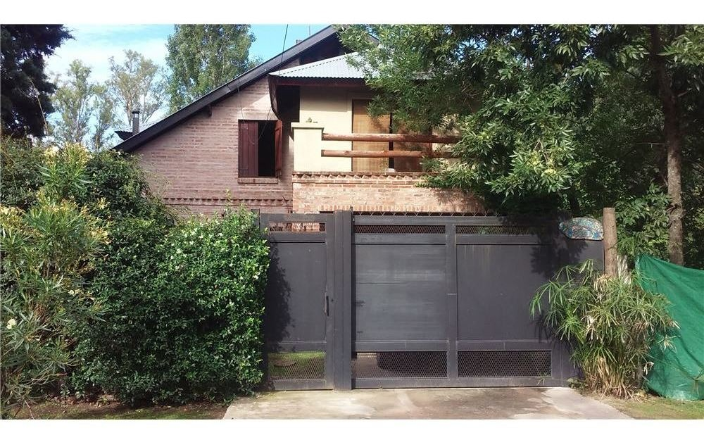 venta casa financia 4 amb con parque y pileta pila