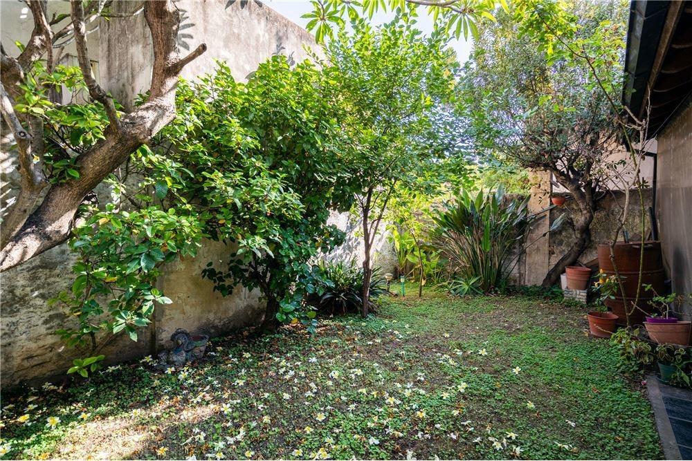 venta casa florida 4 amb jardin, quincho y cochera