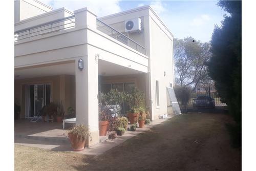 venta casa hermosa en b° san isidro