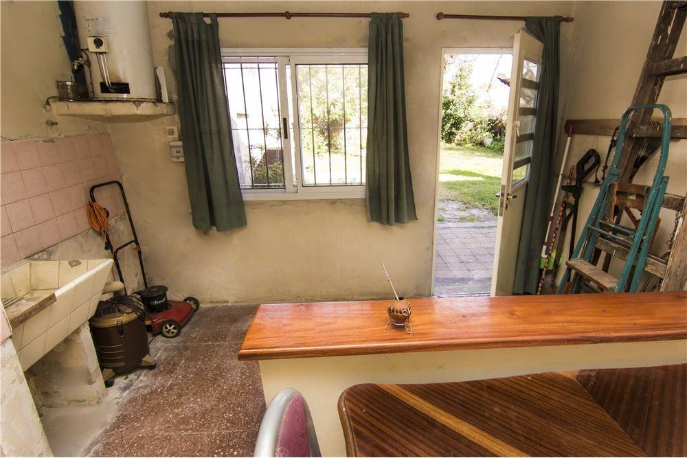 venta casa hurlingham 3 ambientes con jardín