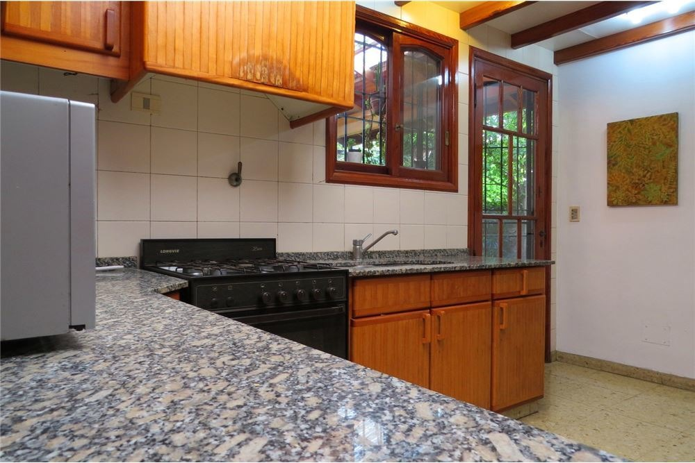 venta casa hurlingham 3dorm + casa al fondo