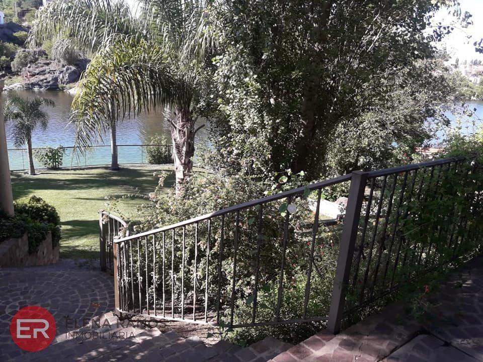 venta casa importante en villa del lago carlos paz