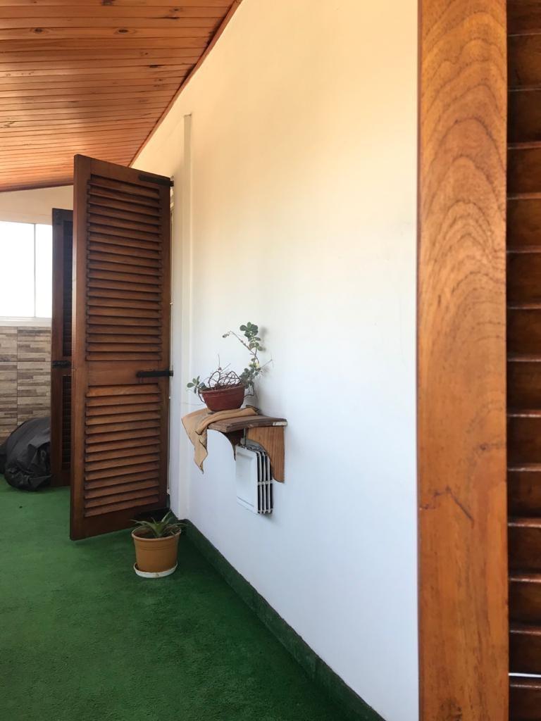 venta. casa. lomas de zamora. 4 ambientes. patio con pileta