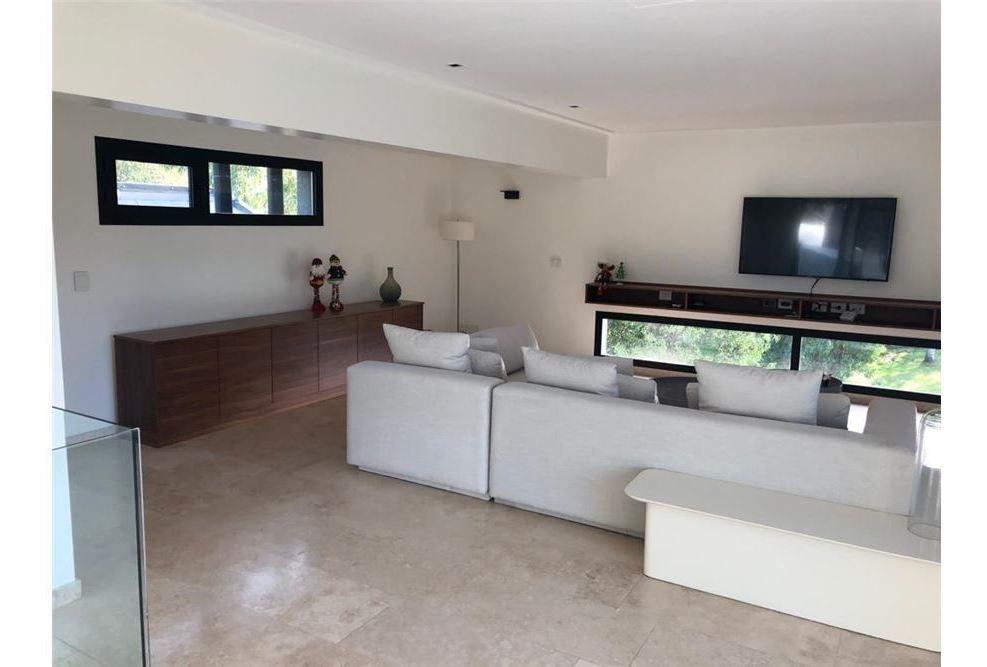 venta-casa-luxury-country-st thomas oeste-480 mts