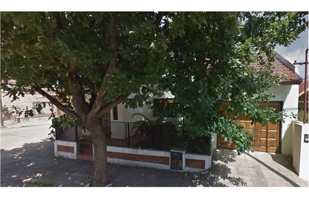 venta casa merlo 4 c/estacion 3 dorm garage