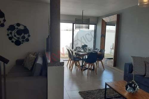 venta casa modelo portugal, arcano residencial privada con vigilancia y alberca
