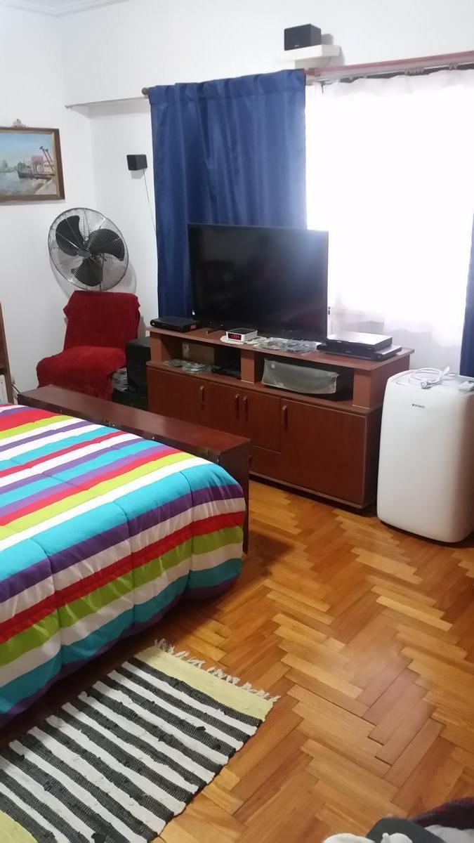 venta casa multifamiliar con pileta - villa adelina
