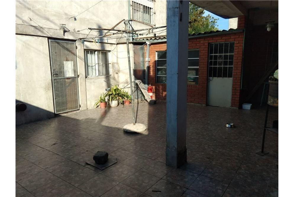 venta casa multifamiliar en lote propio con patio