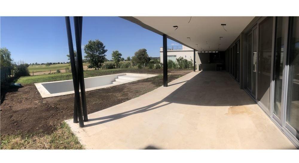 venta casa nordelta golf club- vista al golf