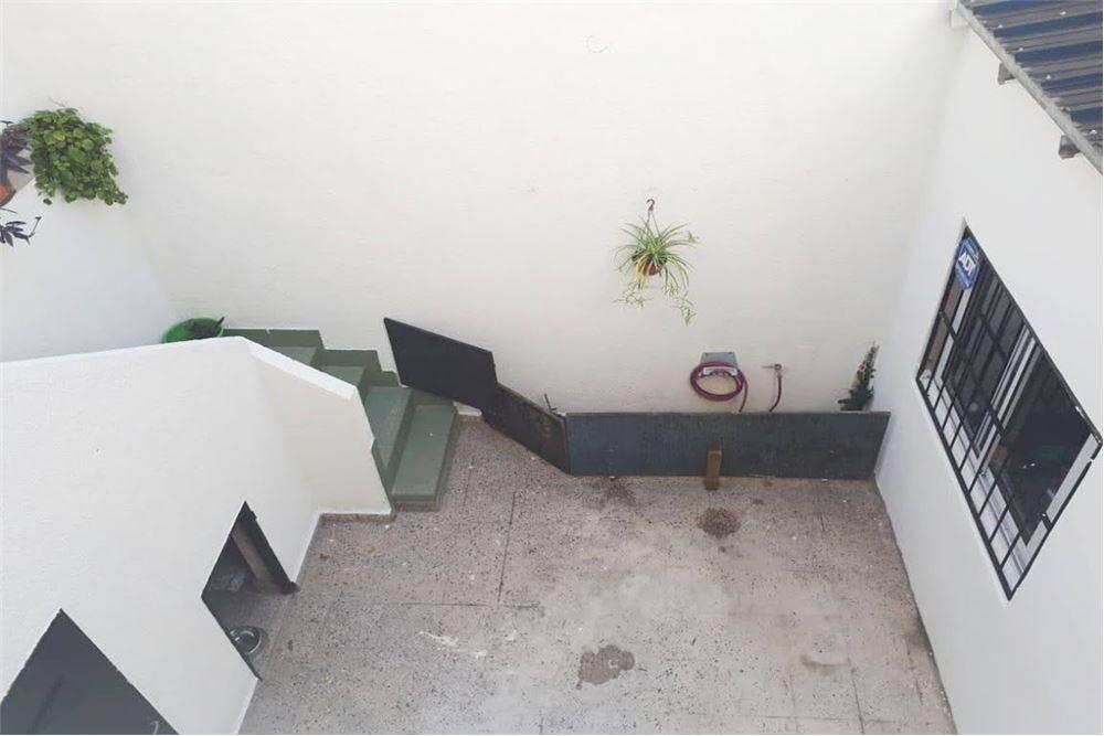venta casa ph 5amb. con terraza, reciclado. flores