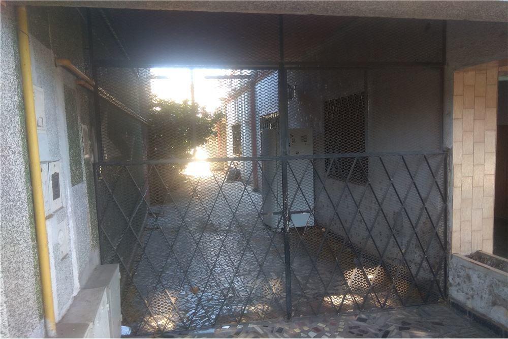 venta  casa ph al frente un dormitorio con patio