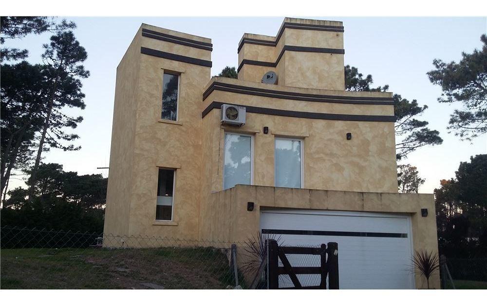 venta casa pinamar barrio álamos