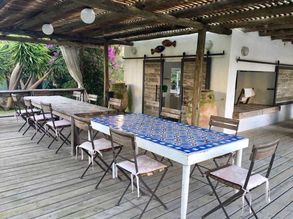 venta casa punta del este 7 dormitorios. garaje y piscina