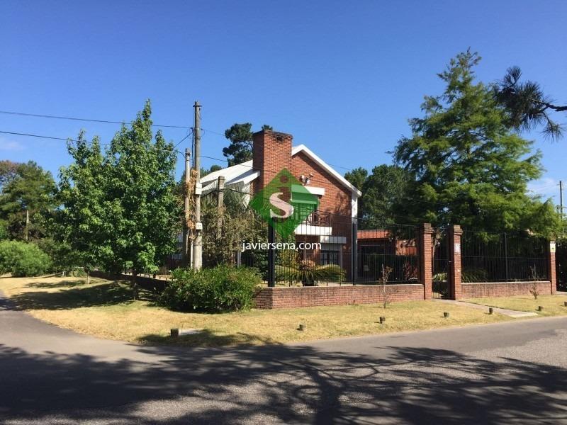 venta casa punta del este pinares, oportunidad para vivir todo el año, 3 dormitorios, 3 baños, parrillero, permuta.- ref: 43890