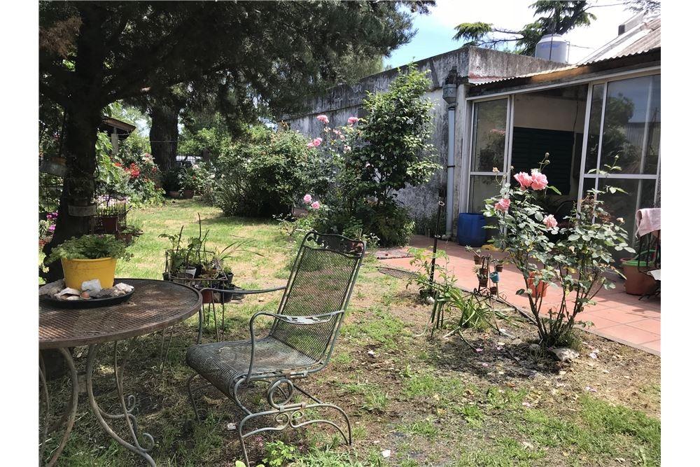 venta casa quinta 900 mts enorme jardin- merlo