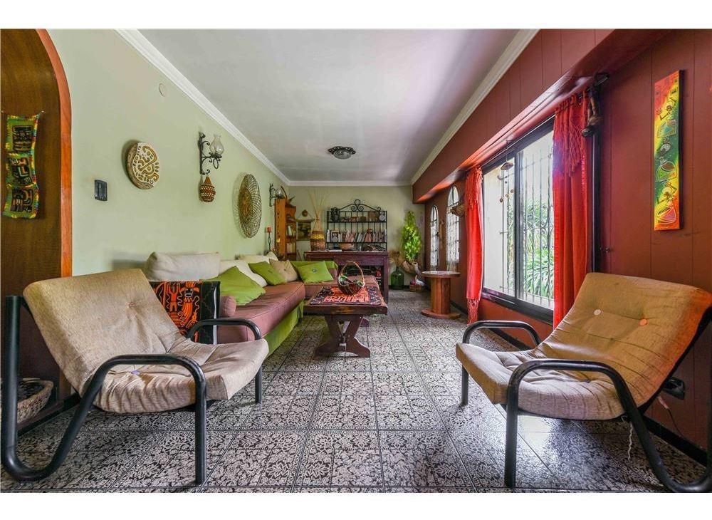 venta casa quinta colonial - lomas de zamora