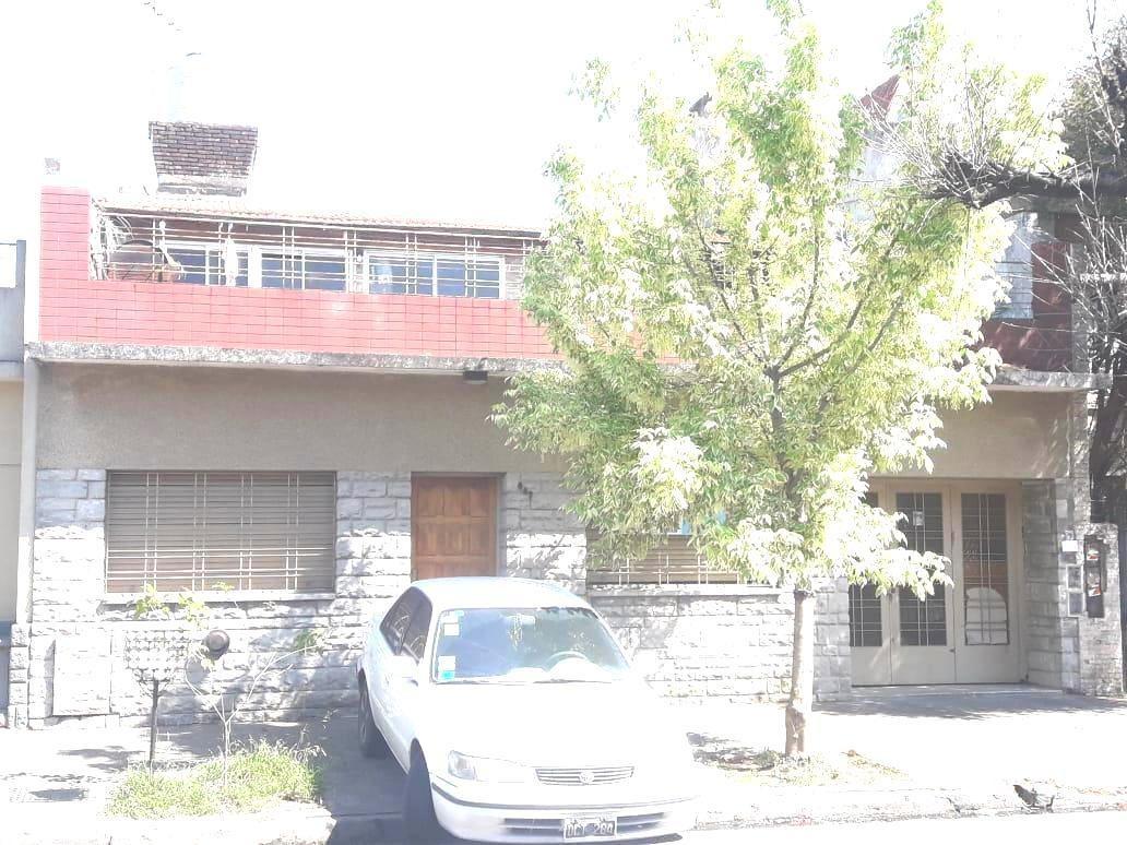 venta-casa - ramos mejia-patio quincho garage amplia terraza