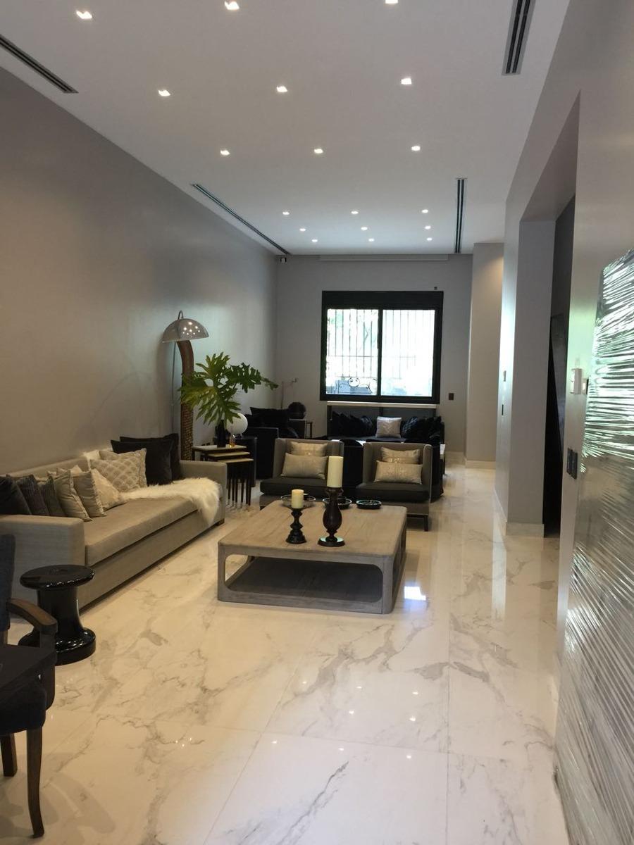 venta casa residencia embajada ascensor parrilla pileta