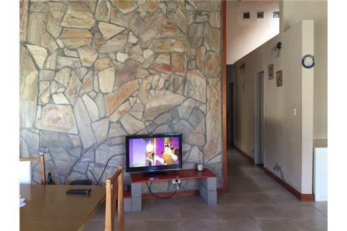 venta casa robles del monarca pilar