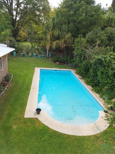 venta  casa san isidro con lindísimo jardín