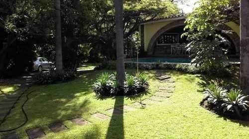 venta casa sola un nivel en fraccionamiento vista hermosa