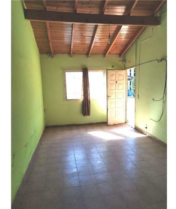 venta casa tipo cabaña 3 amb con patio en libertad