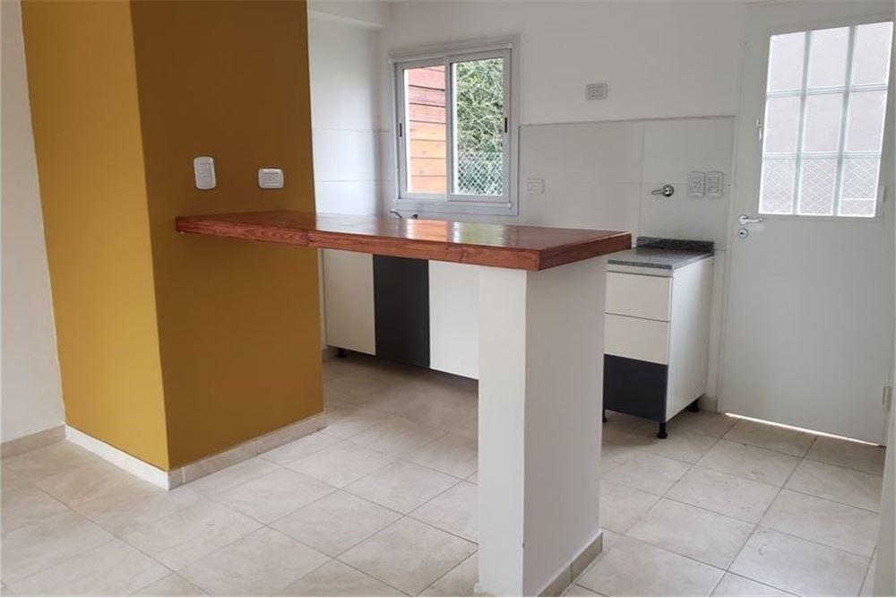 venta casa tipo duplex 4 ambientes y cochera