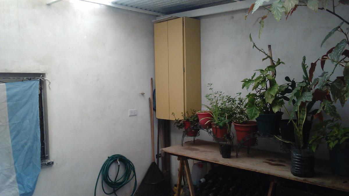 venta casa tres ambientes  reciclada a nueva sobre asfalto