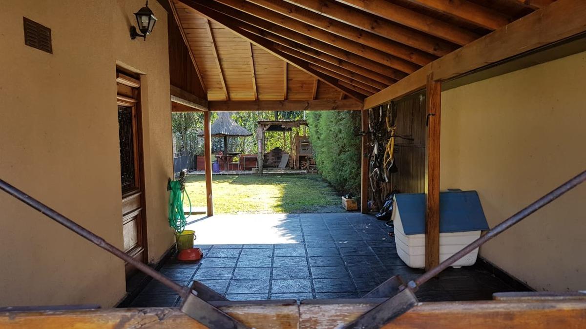 venta casa triplex  4 ambientes ezeiza