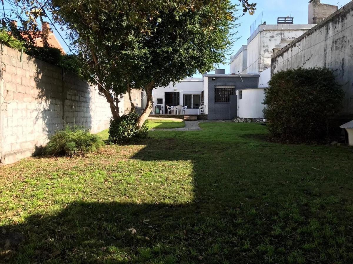 venta casa una planta malvin sur fondo verde
