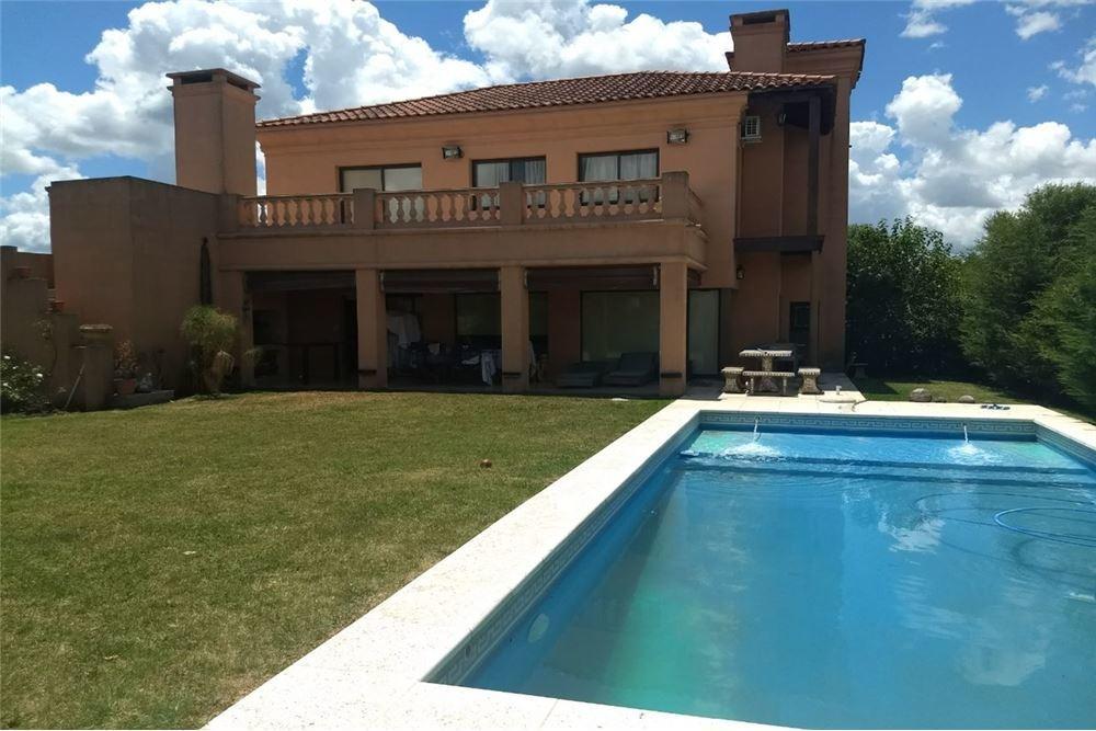 venta casa villa italiana haras santa maría