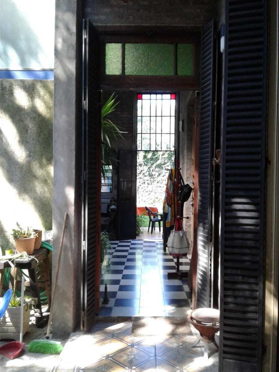 venta casa villa urquiza 4 ambientes con piscina y jardín